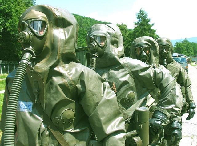 Plynová maska a oblečenie proti jedovatým plynom pre RCHBO