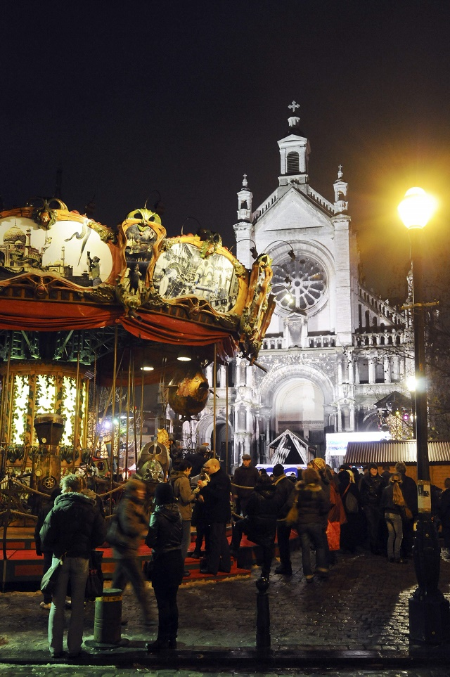 Ilustračná snímka. V pozadí Kostol sv. Kataríny v Bruseli