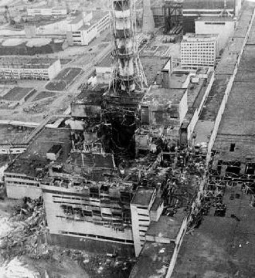 Elektráreň Černobyľ po výbuchu