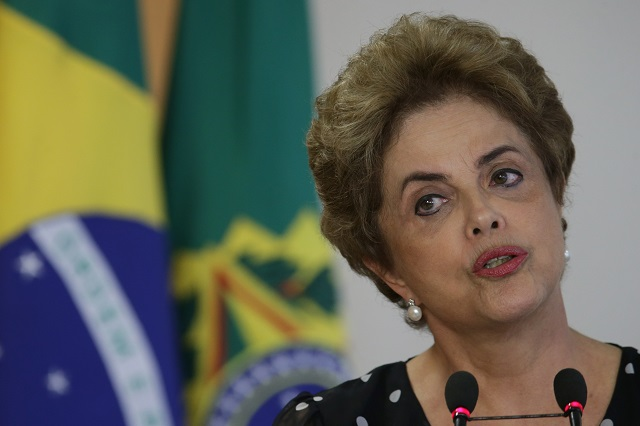 Brazílska prezidentka Dilma Rousseffová prehrala v nedeľu hlasovanie dolnej komory parlamentu o jej odvolaní z funkcie