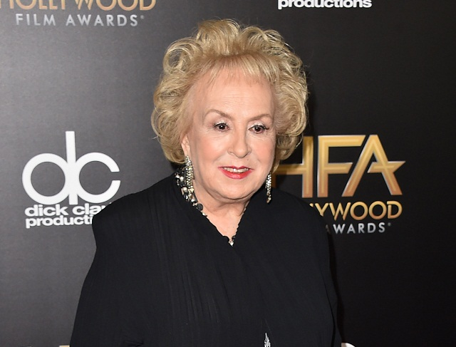 Vo veku 90 rokov zomrela v nedeľu americká herečka Doris Robertsová