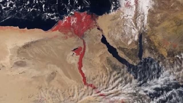 Rieka Níl sfarbená do červena, ako ju zachytila družica Sentinel-3A