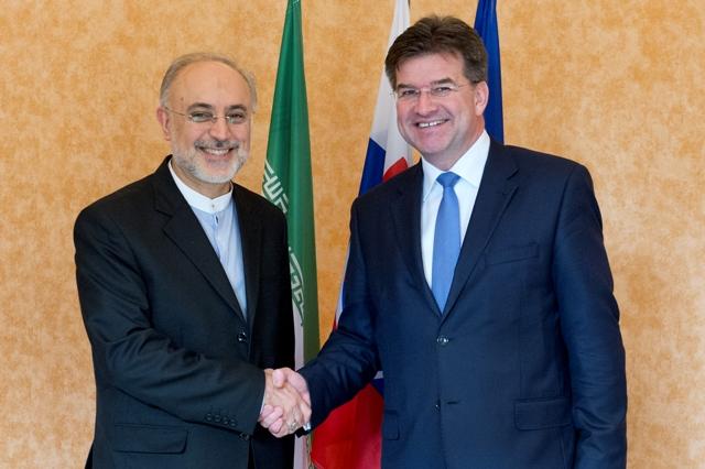 Na snímke vpravo minister zahraničných vecí a európskych záležitostí Slovenskej republiky Miroslav Lajčák a vľavo iránsky viceprezident a šéf Iránskej organizácie pre atómovú energiu (AEOI) Alí Akbar Sálehí