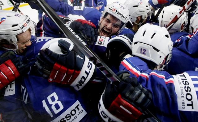 Na snímke francúzski hokejisti