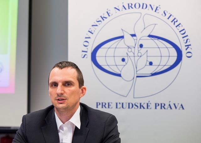 Na snímke výkonný riaditeľ Slovenského národného strediska pre ľudské práva Marian Mesároš