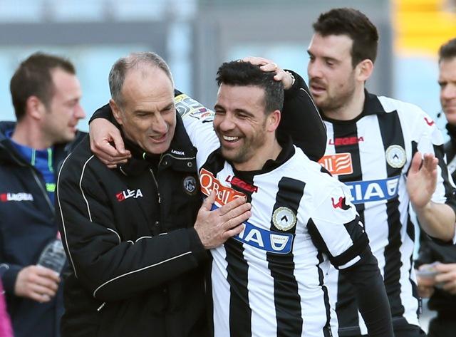 Na snímke vľavo tréner Francesco Guidolin