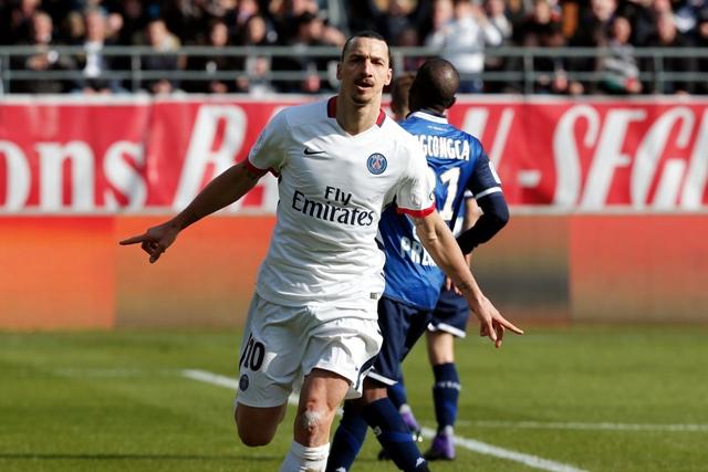 Na snímke švédsky útočník Paris Saint Germain Zlatan Ibrahimovič