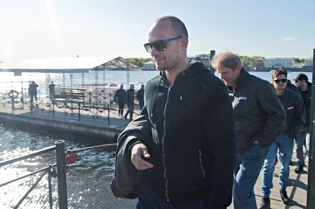 Na snímke Andrej Sekera po návrate z plavby