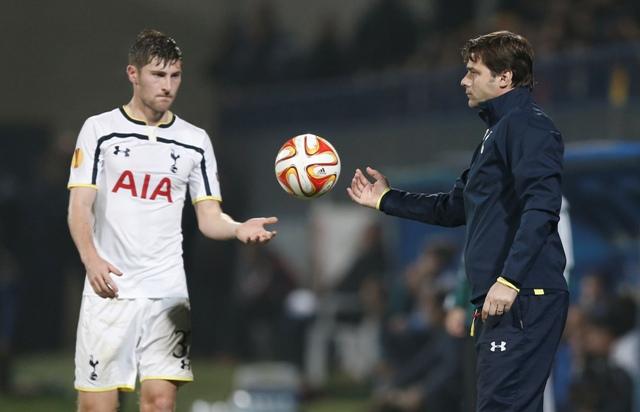 Na snímke tréner Tottenhamu Hotspur Mauricio Pochettino (vpravo)