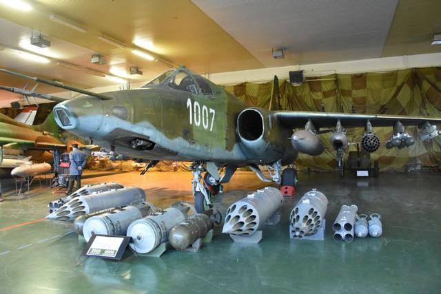 Aj takéto bojové lietadlo SU-25 budú môcť návštevníci obdivovať počas Noci múzeí a galérií v expozícii Vojenského historického múzea Piešťany