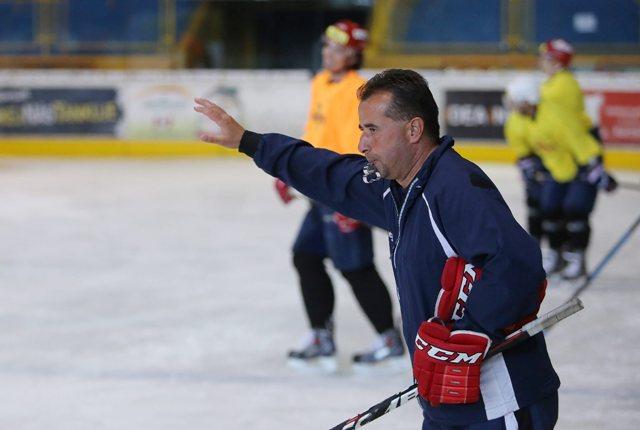 Na snímke tréner HKM Zvolen Josef Turek