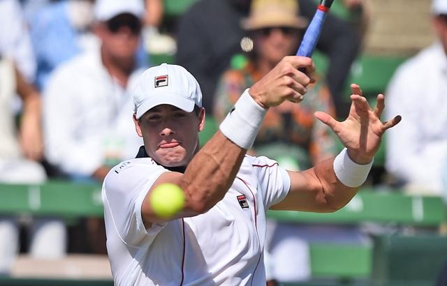 Na snímke americký tenista John Isner