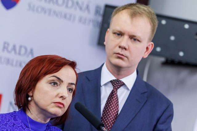 Na snímke poslanci NR SR Miroslav Beblavý a Katarína Macháčková