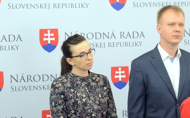 Na snímke poslanci Simona Petrík a Miroslav Beblavý