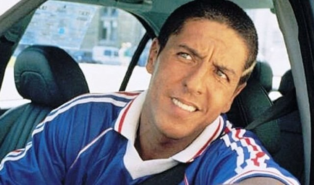 Dopravní policajti vo francúzskom meste Cannes zadržali slávneho domáceho herca, hviezdu seriálu Taxi Samyho Naceriho