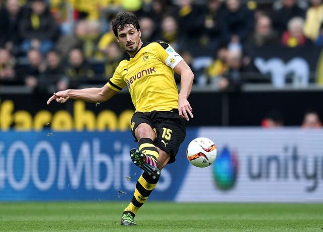 Na snímke futbalista Mats Hummels