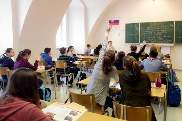 Na snímke pohľad do jednej z tried počas vyučovania