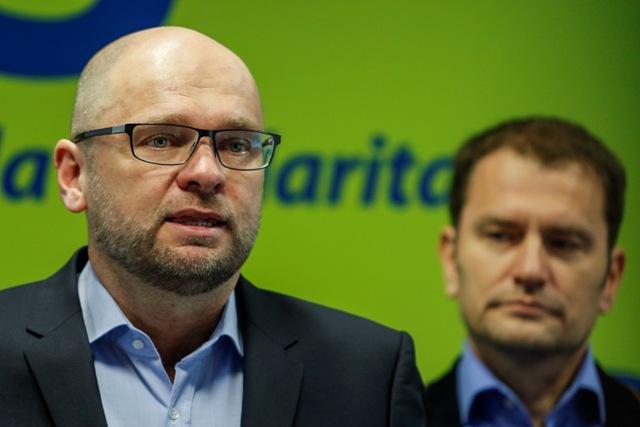 Na snímke zľava predseda SaS Richard Sulík a predseda hnutia OĽaNO-NOVA Igor Matovič