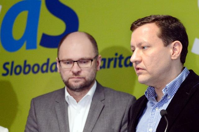 Na snímke Daniel Lipšic (vpravo) z OĽaNO-NOVA a predseda SaS Richard Sulík