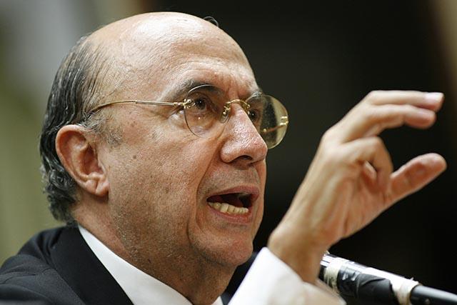 Na snímke brazílsky minister financií Henrique Meirelles
