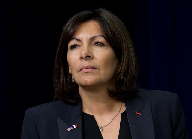 Na snímke parížska starostka Anne Hidalgová