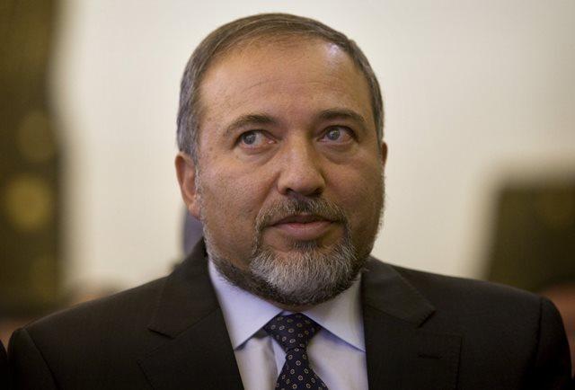Na snímke z roku 2010 Avigdor Lieberman