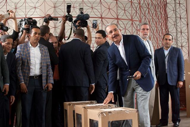 Na snímke úradujúci prezident Dominikánskej republiky a prezidentský kandidát Danilo Medina