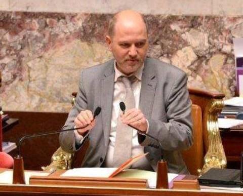 Na snímke podpredseda dolnej komory francúzskeho parlamentu Denis Baupin