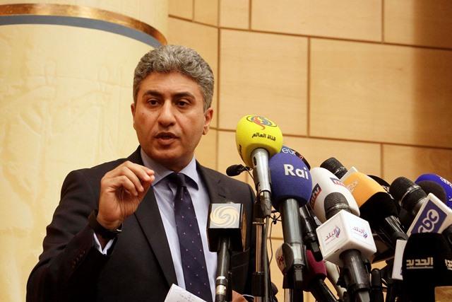 Na snímke egyptský minister pre civilné letectvo Šaríf Fathí