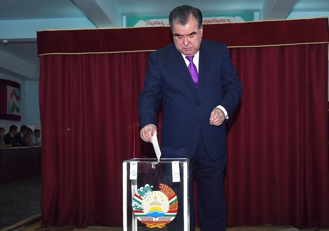 Na snímke tadžický prezident  Emomali Rachmonov