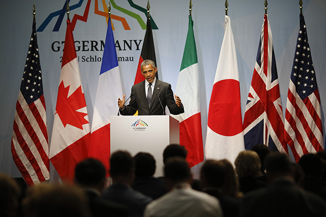 Na snímke americký prezident Barack Obama reční počas tlačovej konferencie na druhý a záverečný deň summitu lídrov skupiny siedmich priemyselne najrozvinutejších krajín sveta (G7)