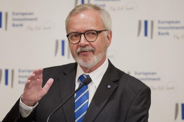 Na snímke prezident Európskej investičnej banky (EIB) Werner Hoyer