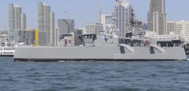Na snímke z videa loď Sea Hunter