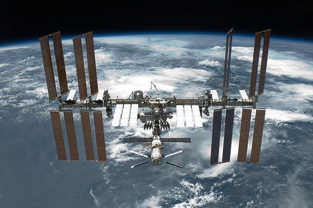 ISS počas svojho obiehania okolo našej Zeme