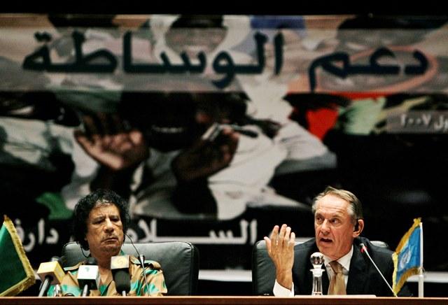 Na snímke námestník generálneho tajomníka OSN Jan Eliasson (vpravo)