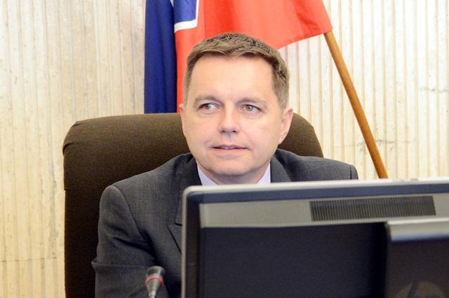 Na snímke podpredseda vlády a minister financií SR Peter Kažimír