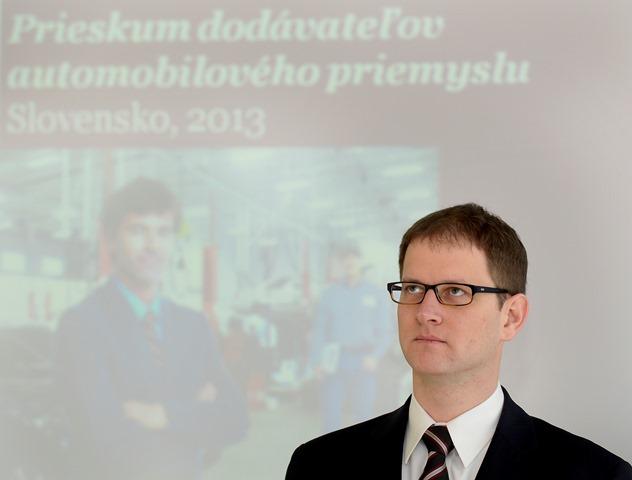 Na snímke špecialista firmy PwC pre automobilový priemyseľ Peter Mrnka
