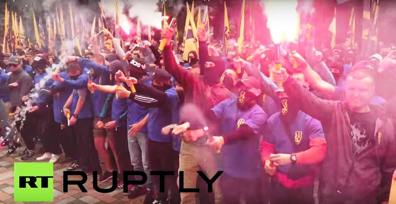 Pochod Azovu v Kyjeve3