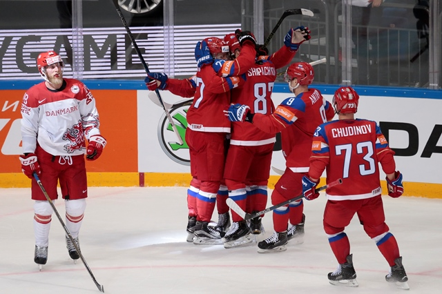 Na snímke ruskí hokejisti
