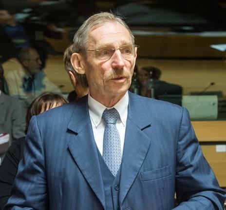 Na snímke maďarský minister vnútra Sándor Pintér