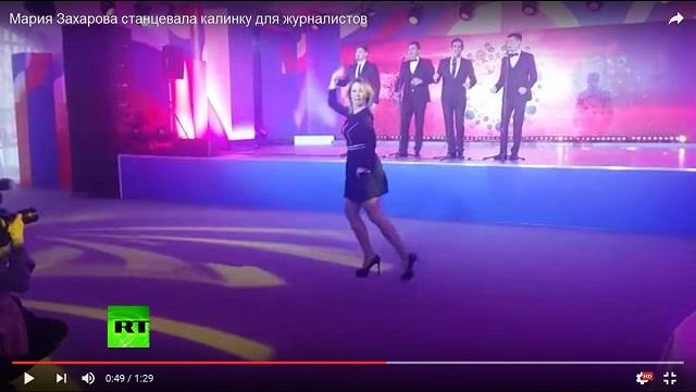 Na videosnímke tančiaca predstavila hovorkyňa ruského ministerstva zahraničia Mária Zacharovová
