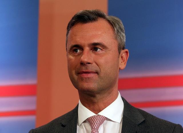 Prezidentský kandidát Slobodnej strany Rakúska (FPÖ) Norbert Hofer