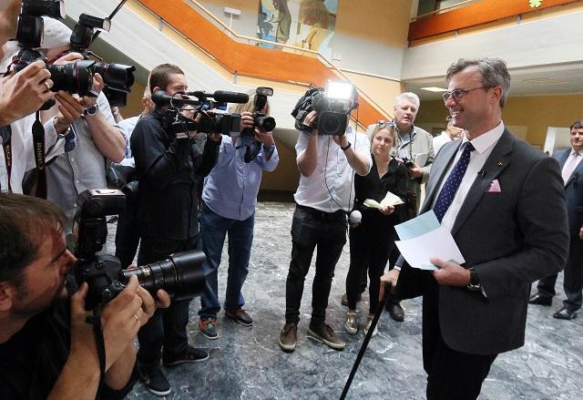Na snímke kandidát pravicovej Slobodnej strany Rakúska (FPÖ) v prezidentských voľbách Norbert Hofer