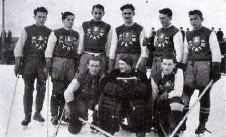 Od malička Anton Babony hrával futbal a ľadový hokej. Svojím talentom sa  presadil  až do hokejového mužstva HC - Tatry a stal sa jeho slávnym brankárom v čase kedy  sa klub stal majstrom