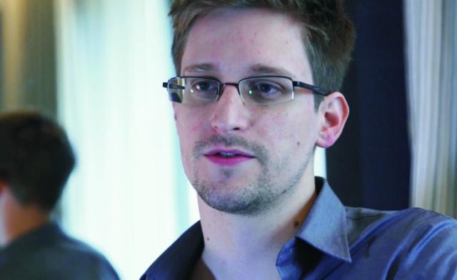 Na archívnej snímke Edward Snowden
