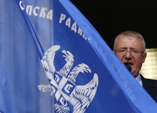 Na archívnej snímke z 12. novembra 2014 líder Srbskej radikálnej strany Vojislav Šešelj