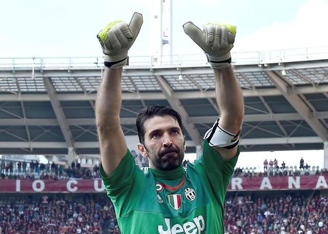 Na snímke brankár Gianluigi Buffon