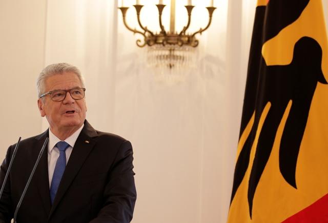 Nemecký prezident Joachim Gauck oznamuje, že sa nebude v roku 2017 uchádzať o druhé funkčné obdobie v berlínskom zámku Bellevue