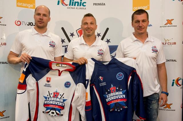 Na snímke zľava Peter Podhradský, Ľubomír Višňovský a  Richard Kapuš