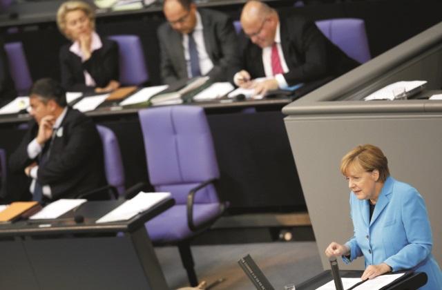Nemecká kancelárka Angela Merkelová počas prejavu na zasadnutí nemeckého parlamentu